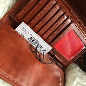 Dooney & Bourke pebble grain wallet